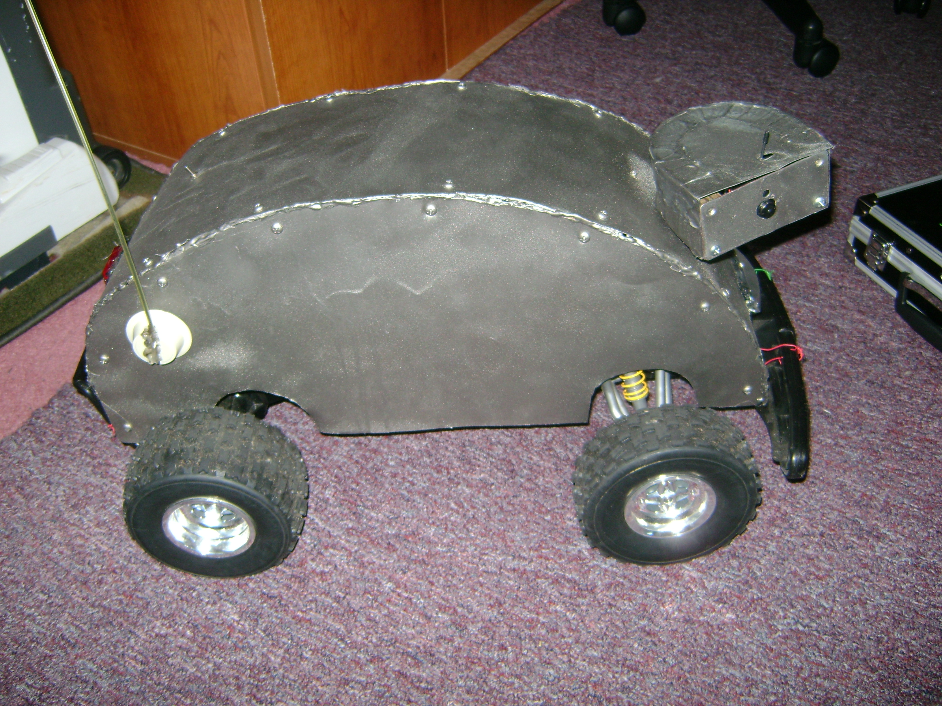 How to build a Remote Operating ALL-Terrain Robot for under 300 dollars!!!!!!!!!!!!!!!!!!!!!!!!!!!!!!
