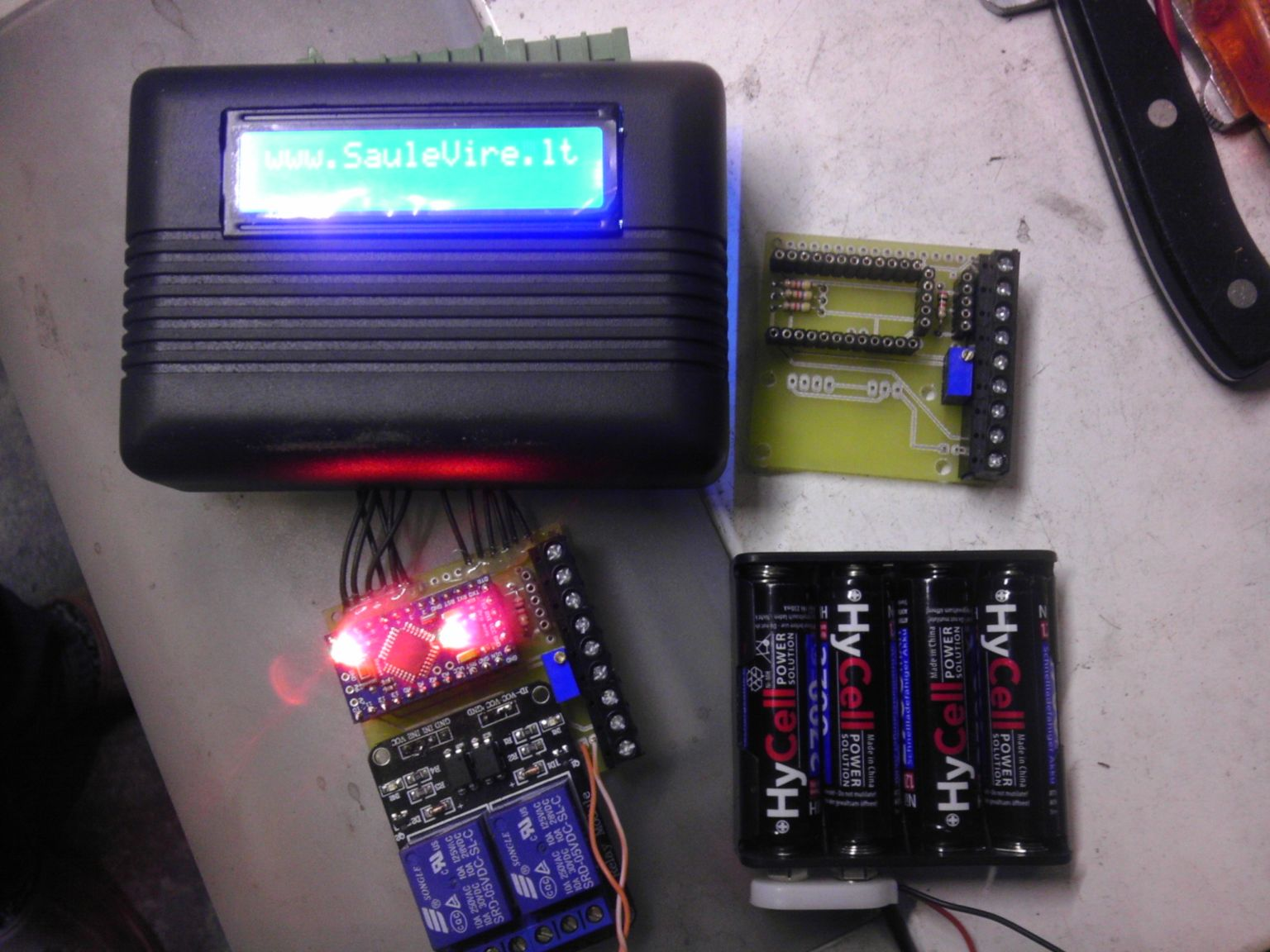 Hot water solar collector controller with thermostat v1.0