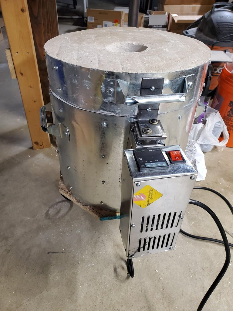 120v Metal Foundry With Lid Switch