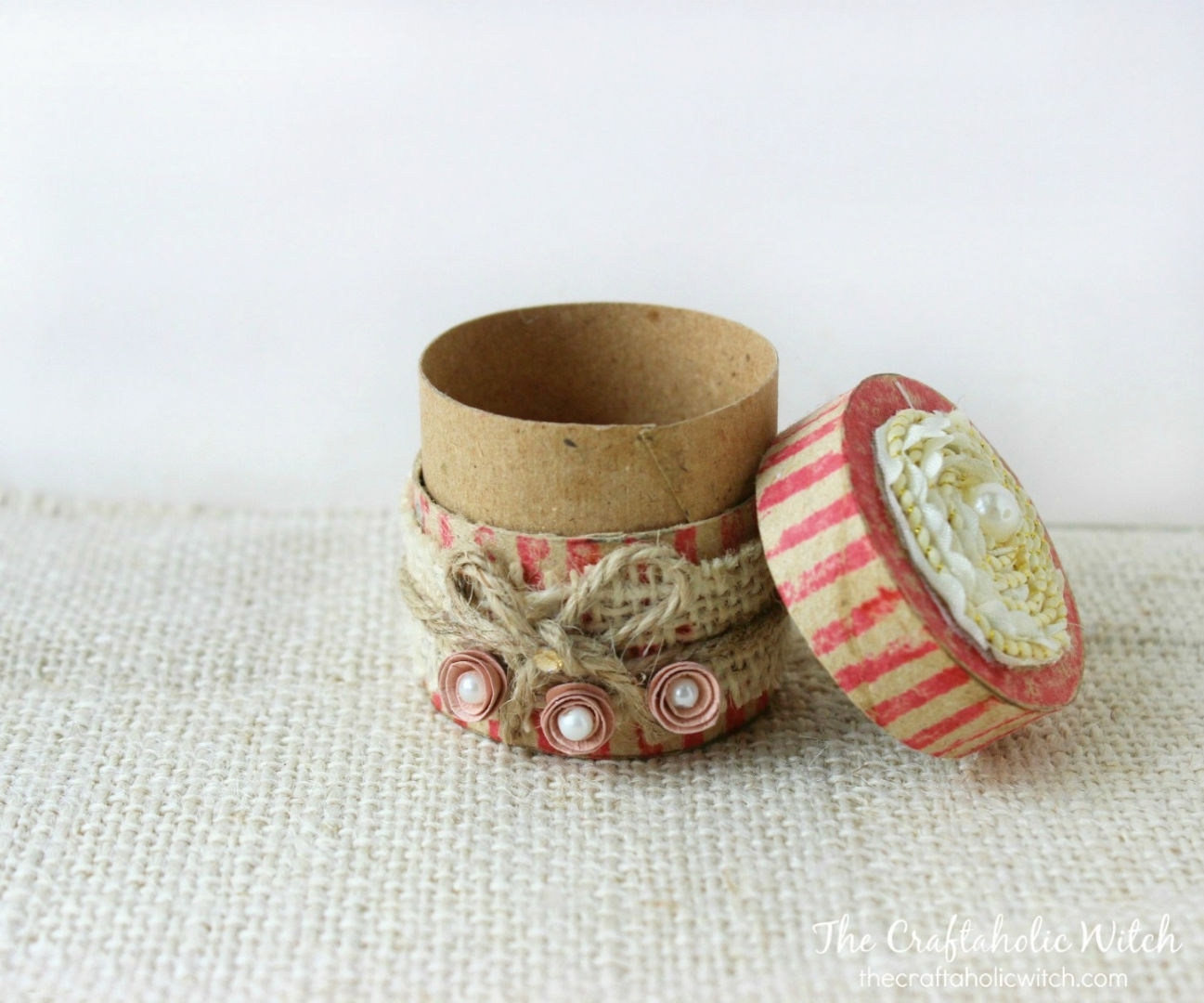 DIY Recyled Gift Box