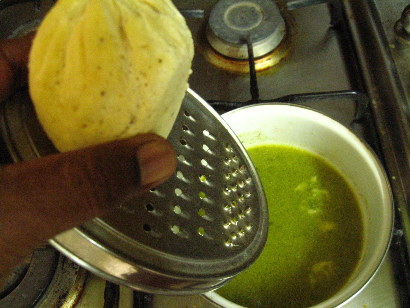 Green Sauce With Coriander Leaves and Mint Leaves