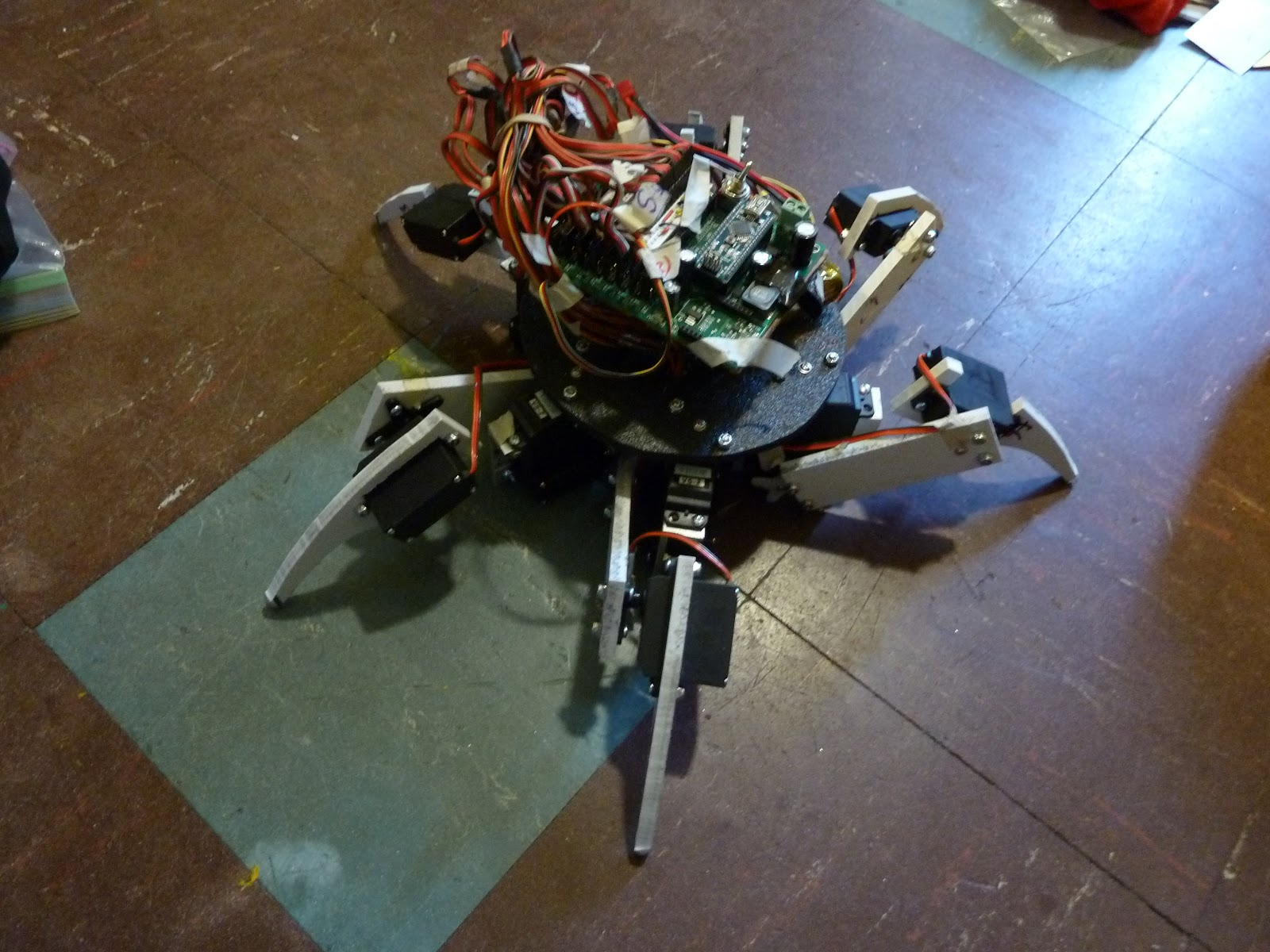 Simple 18dof Hexapod, Arduino nano (optionally with pololu maestro)