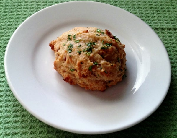 Maple Bacon Cheddar Garlic Biscuits (a Ruby Tuesday Copycat)