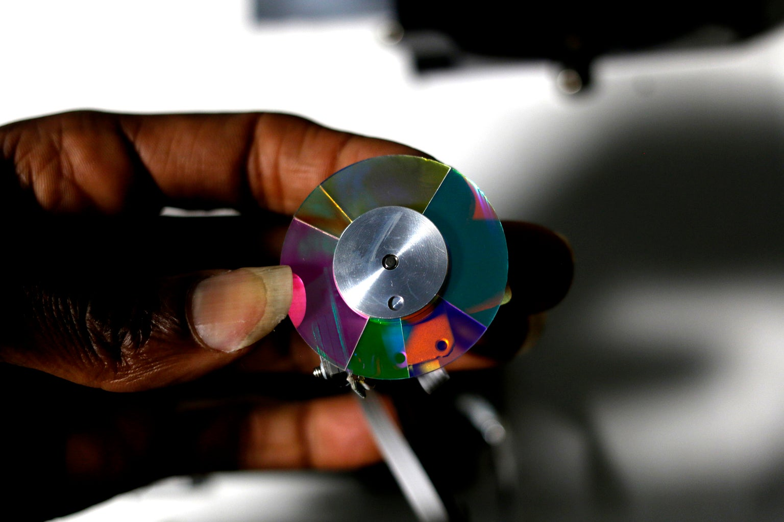 Unscrew Color Wheel