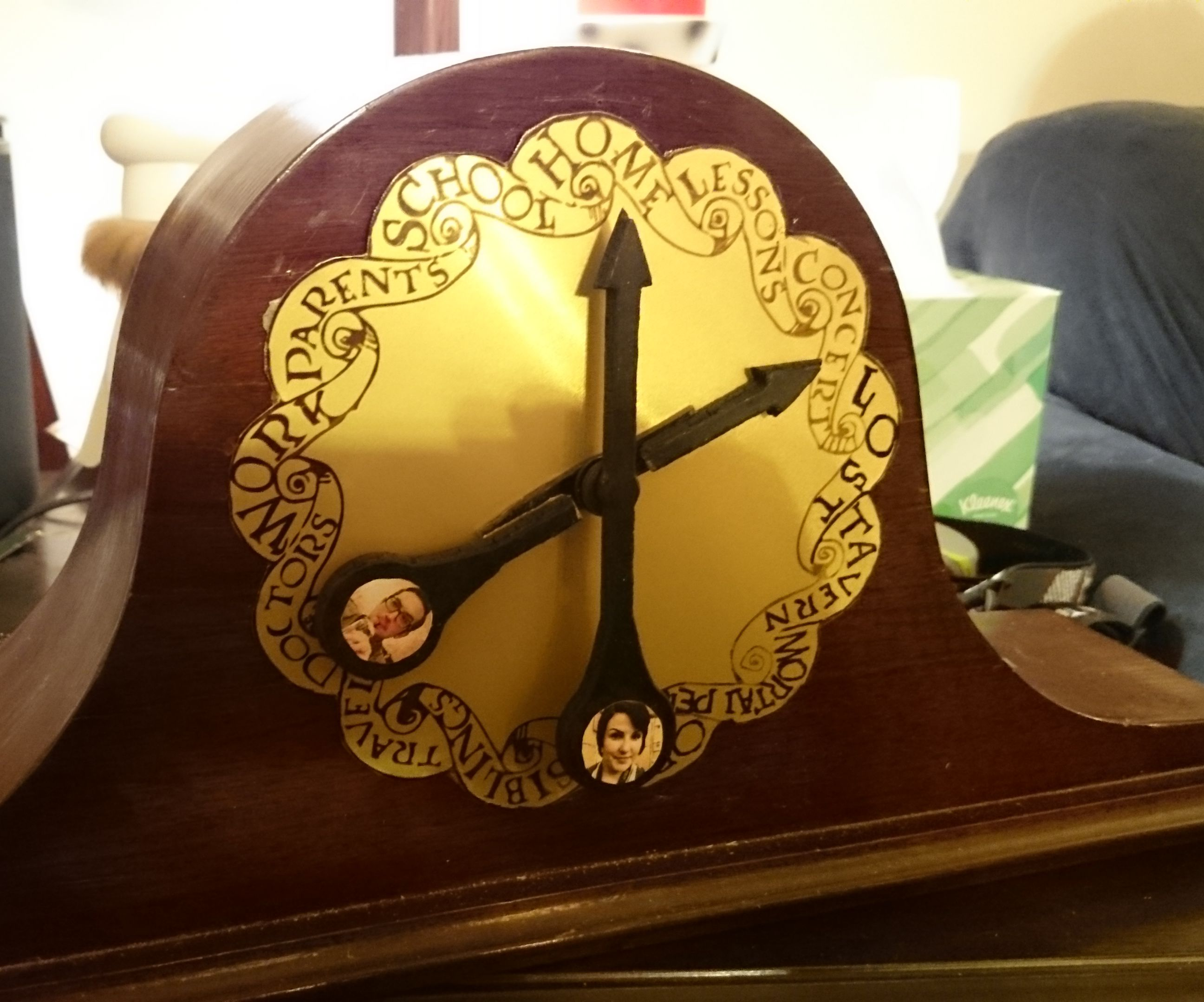 "Build your own ""Weasley"" Location Clock!"
