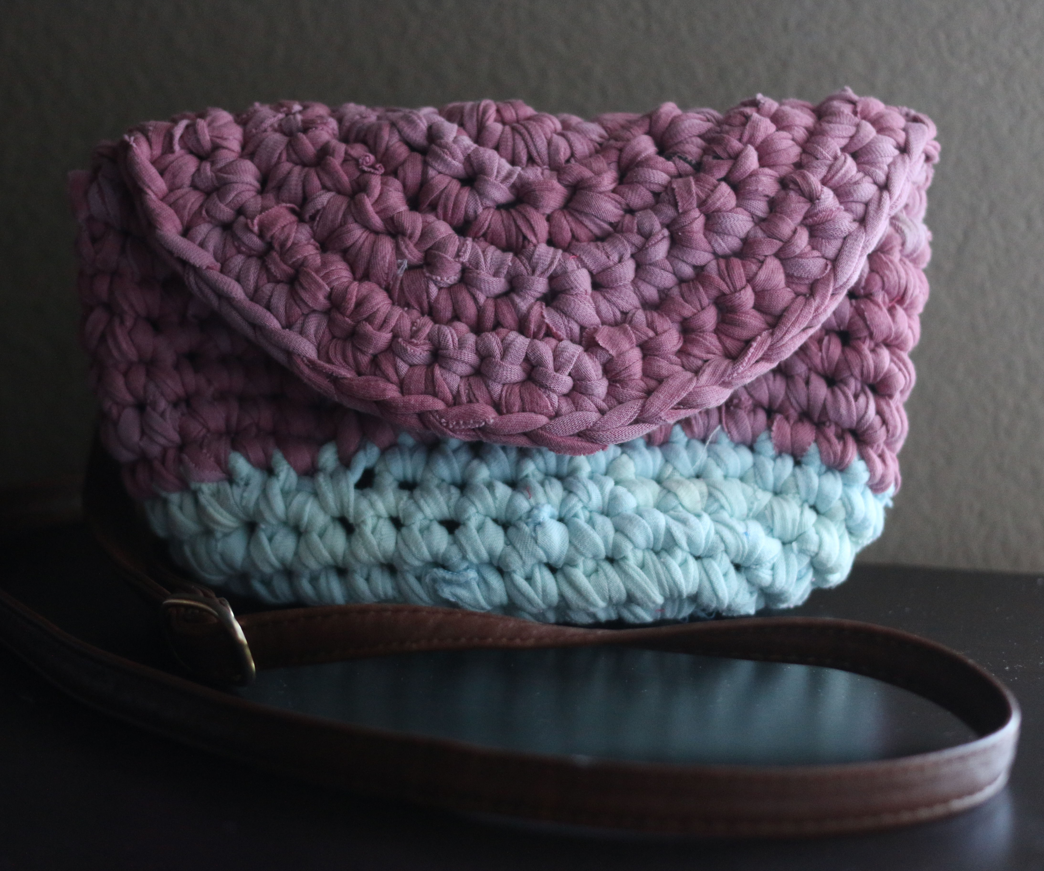 T-shirt Yarn Crocheted Crossbody Bag