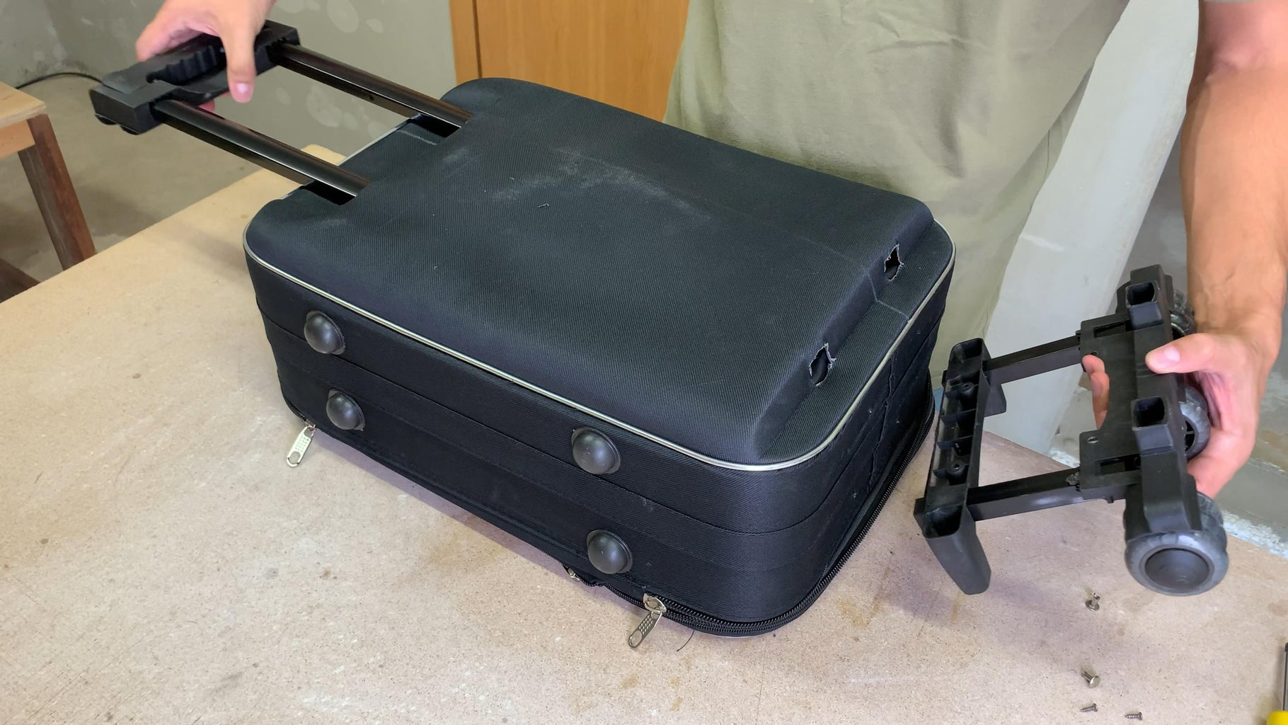 Reusing Parts From Old Suitcase