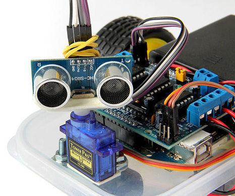 Arduino Obstacle Avoiding Motor Powered Car