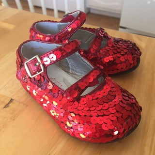 How to Make Your Own Pair of Wizard of Oz Ruby Slippers