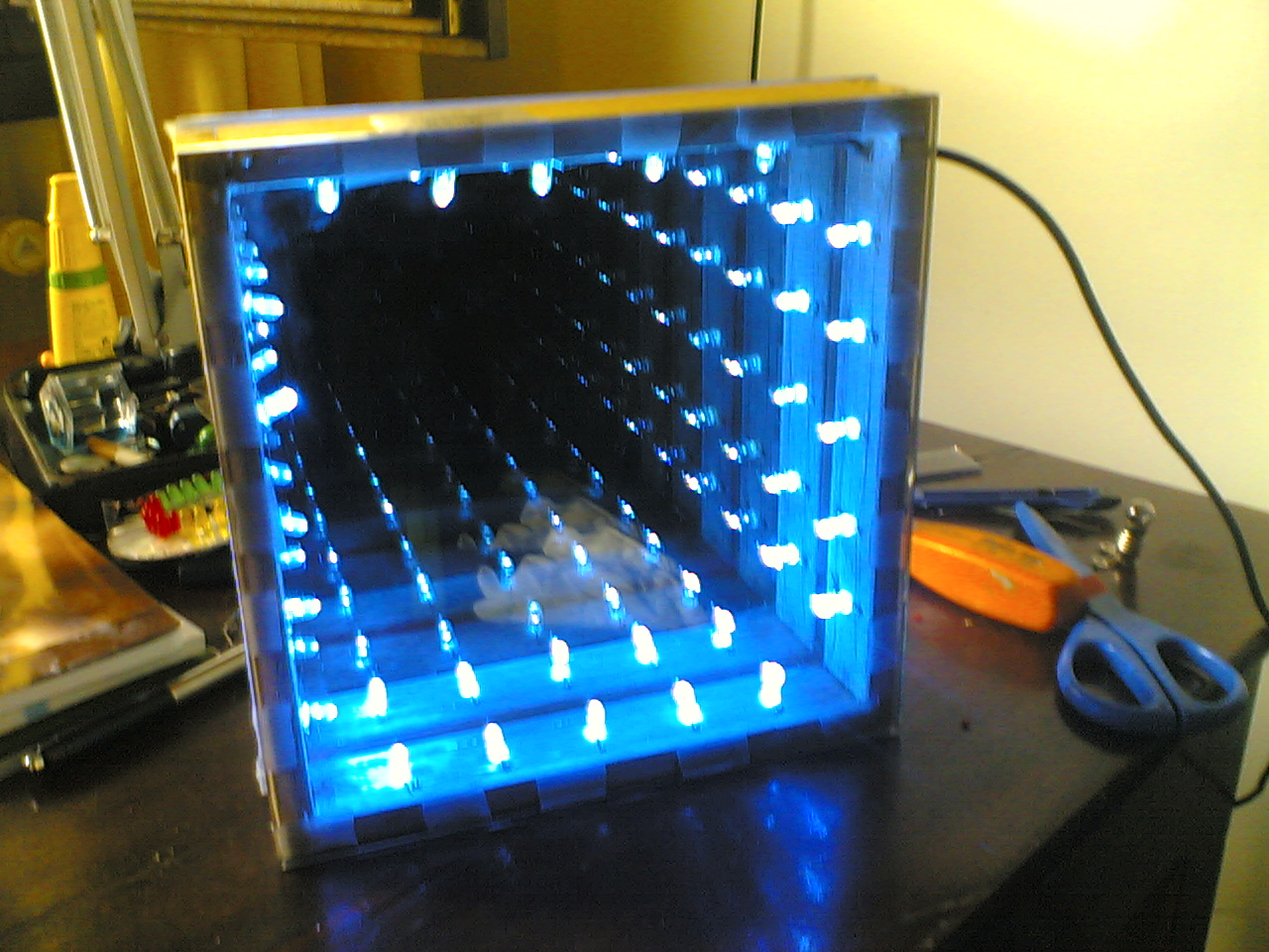 cool DIY infinite LED tunnel