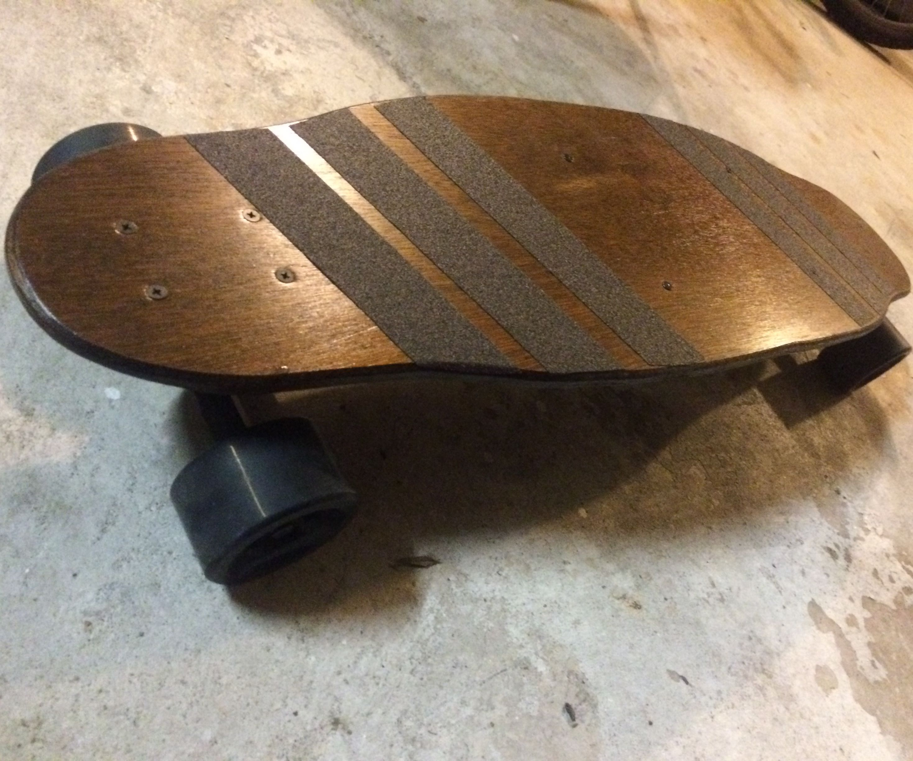 DIY Electric Skateboard (Extremely Simple)