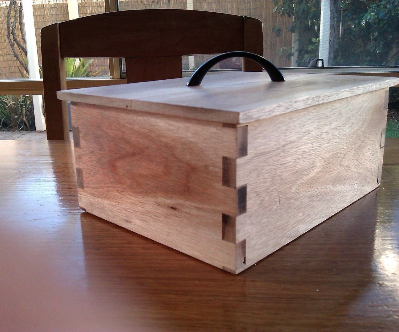 Make a finger jointed box on the router table