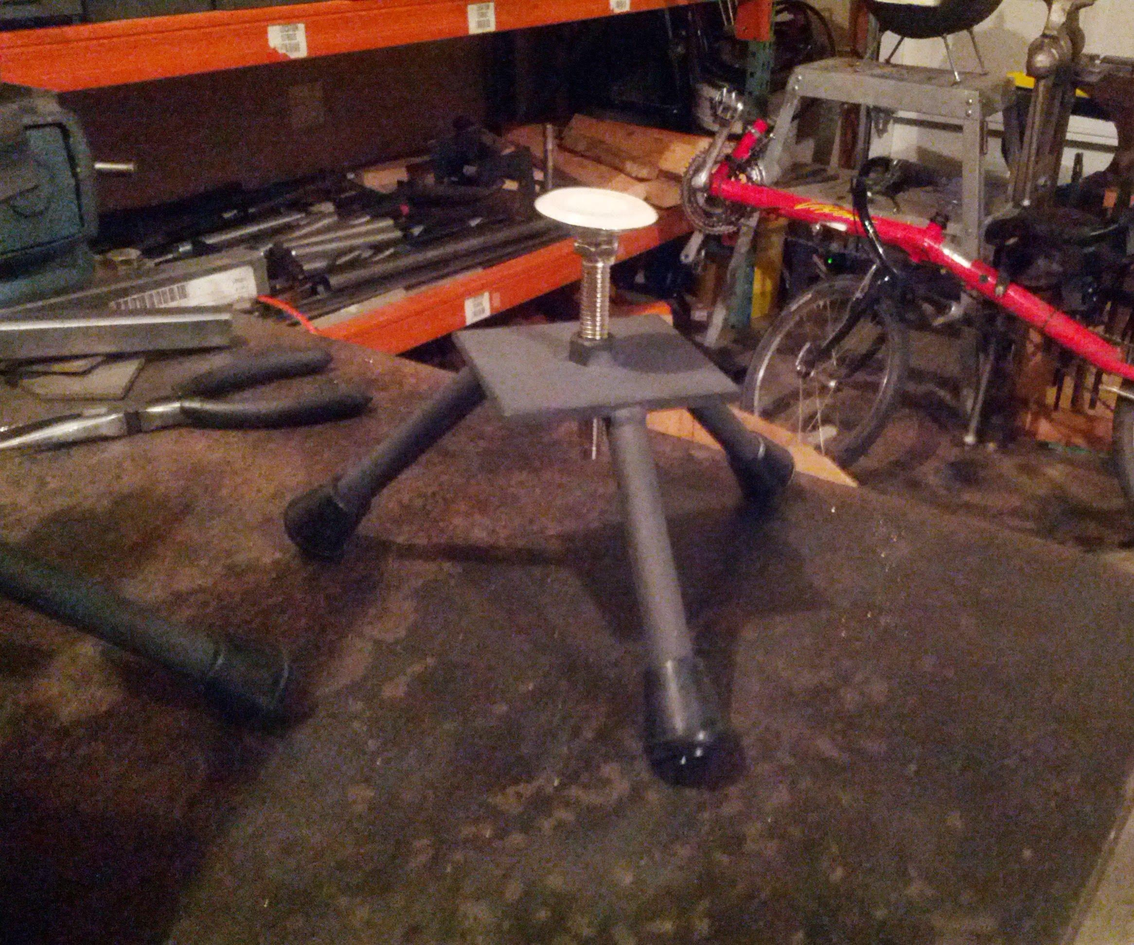 Adjustable height welding stands