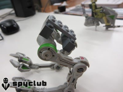 Attaching the AT-RT Legs