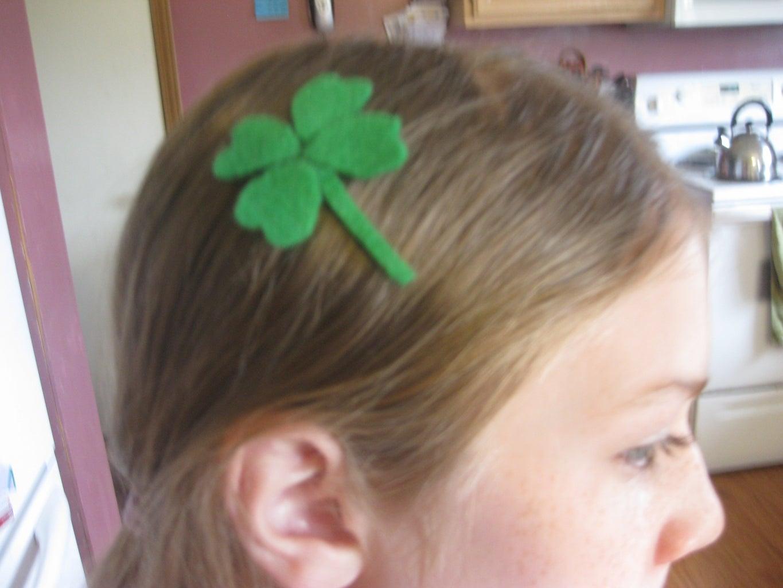 ST. Patricks 4 Leaf Clover Hair Clip
