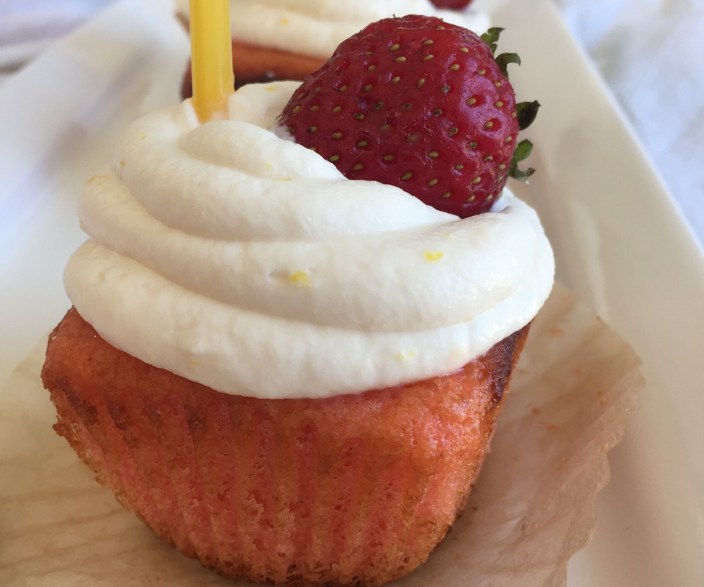 Strawberry lemonade cupcakes (gf)