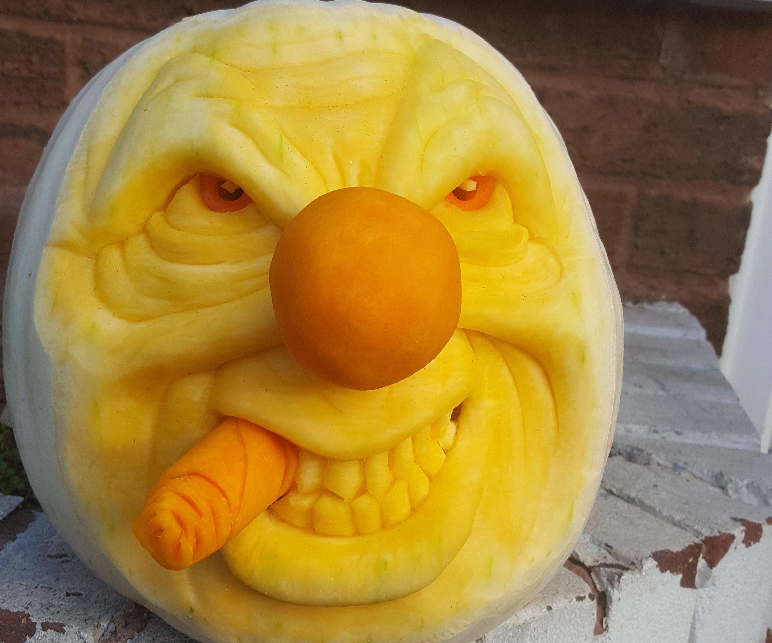 How to carve a clown pumpkin