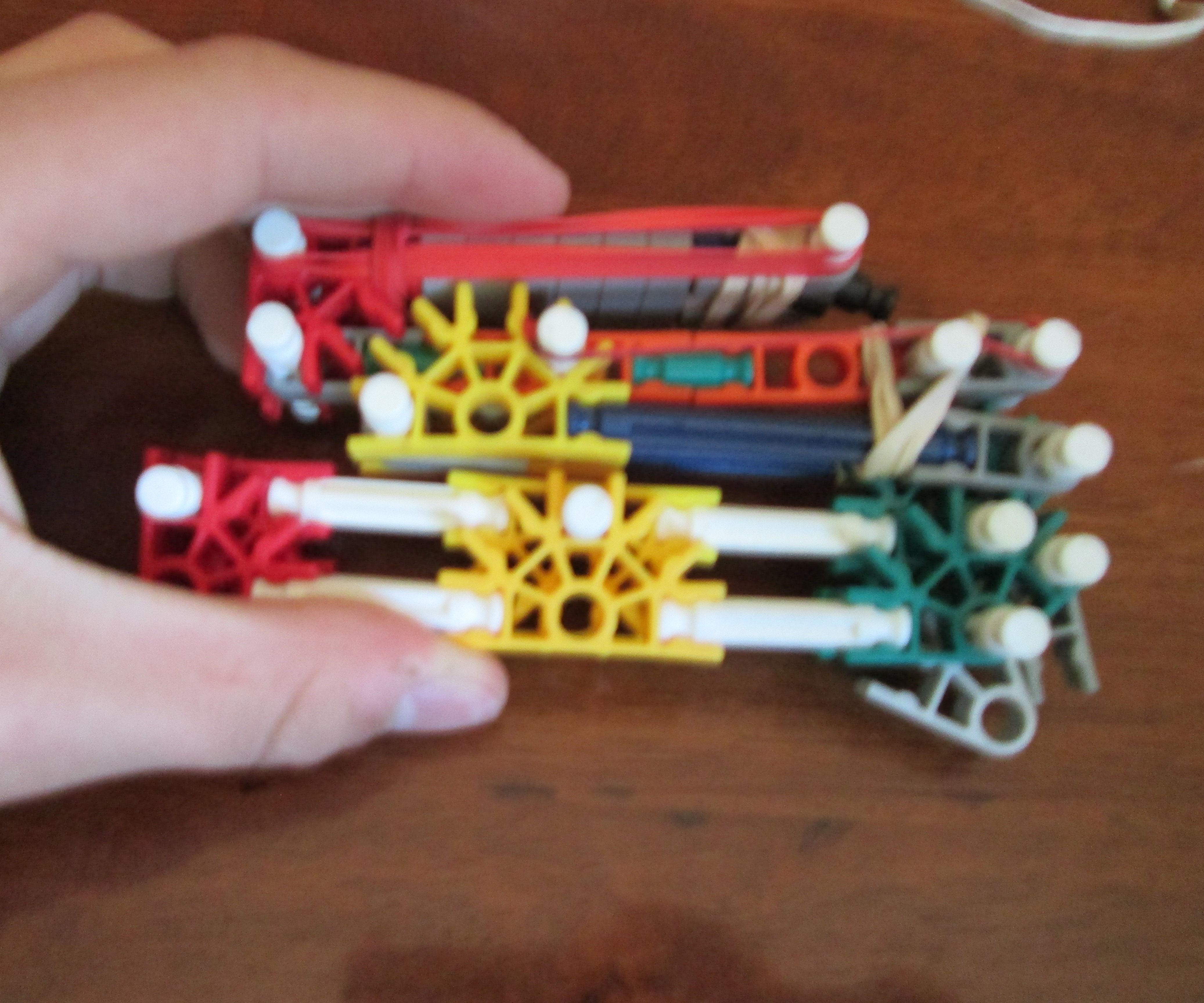 Fold up Knex rubber band gun