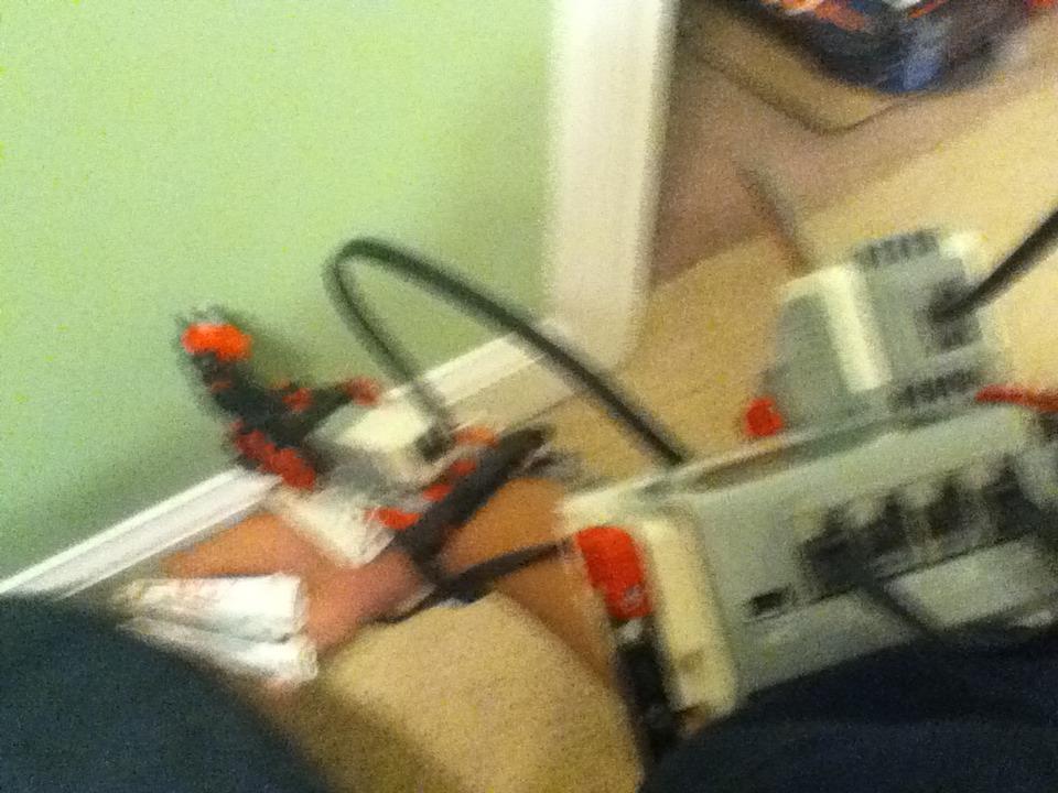 Lego Mindstorms EV3: Gauntl3t