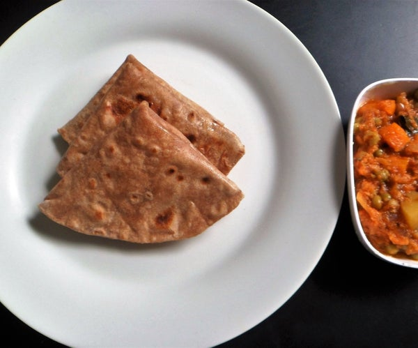 Chapathis (Wheat Flat Bread)