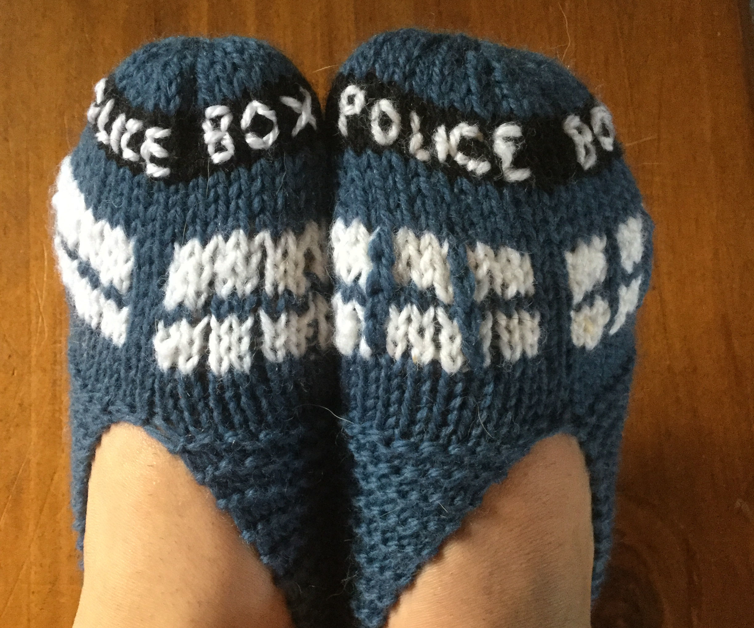 Knit your own Tardis Slippers