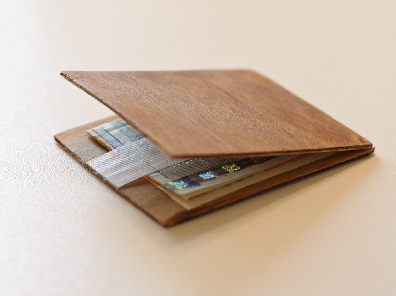 Magic Wood Wallet