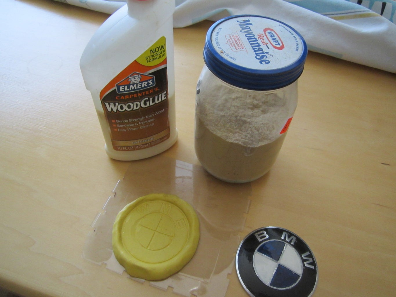 Wood Mold (Glue and Saw Dust)!