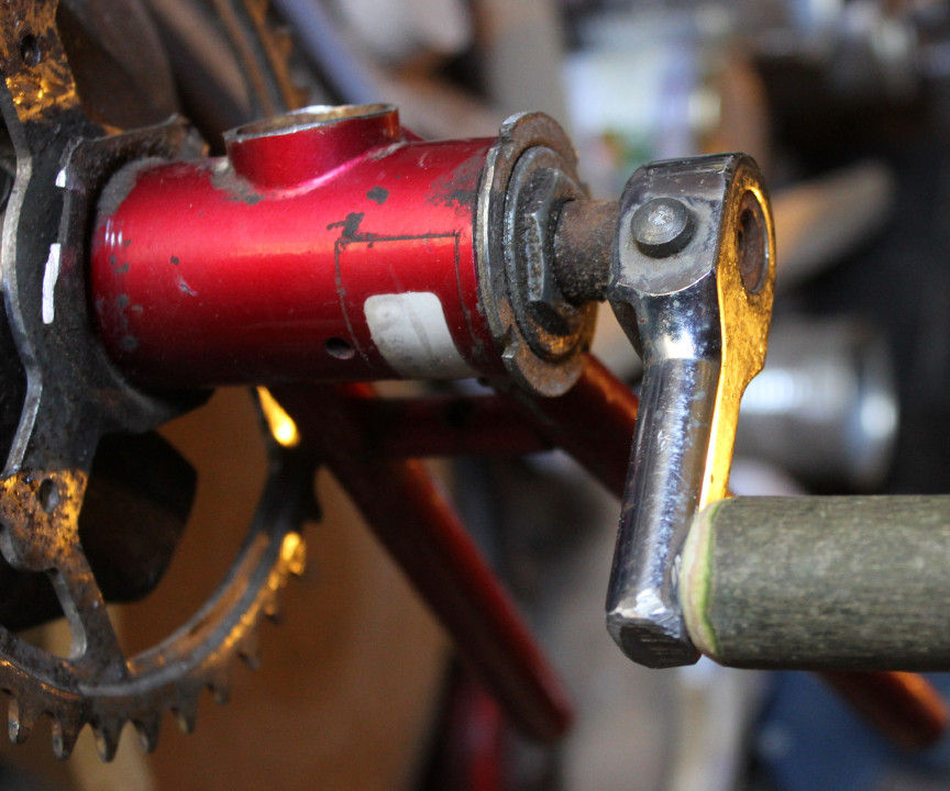 Upcycling dead and/or scrap bicycles - Part 1 - Home-made tools - Hand-powered sander