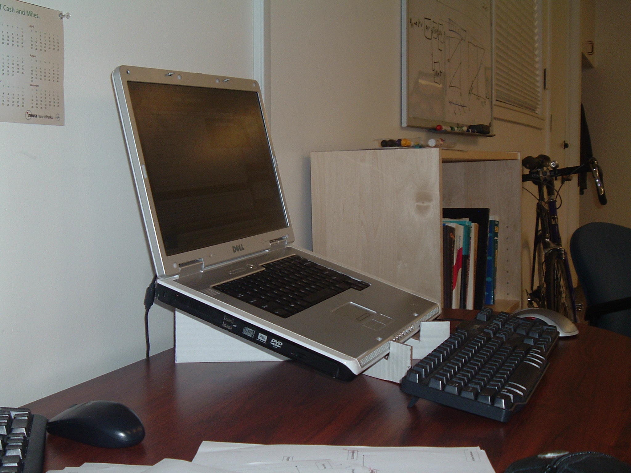 Make a Laptop Stand from Cardboard - The Quick and Easy Way