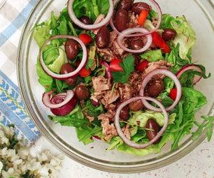 健康的金枪鱼沙拉