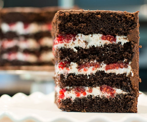 How to Level, Fill, & Stack a Cake