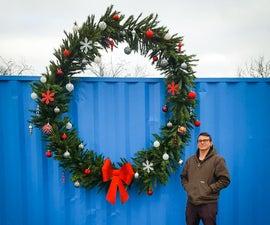 把一个旧的人造圣诞树变成一个巨大的花圈