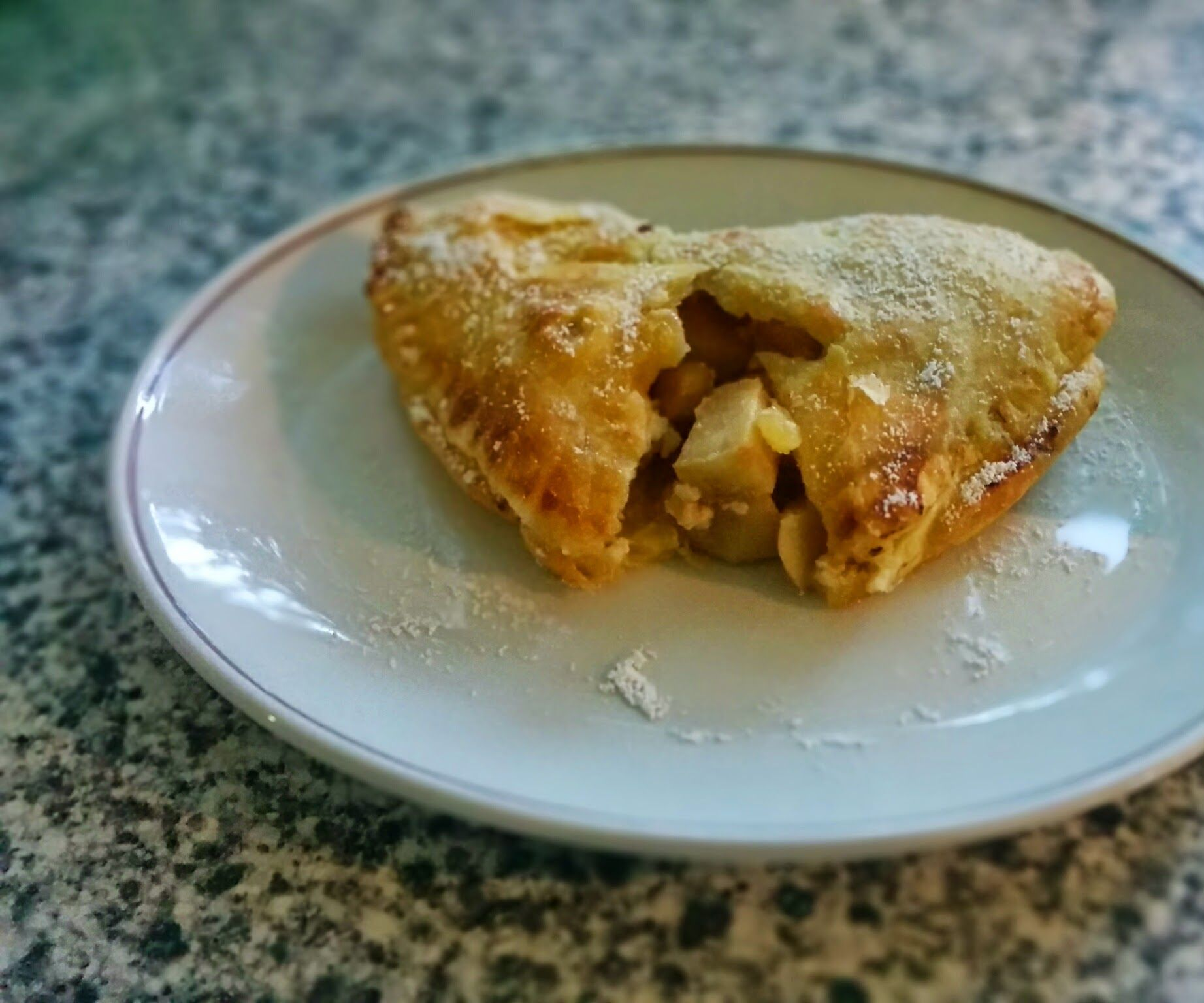Apple and custard pastie