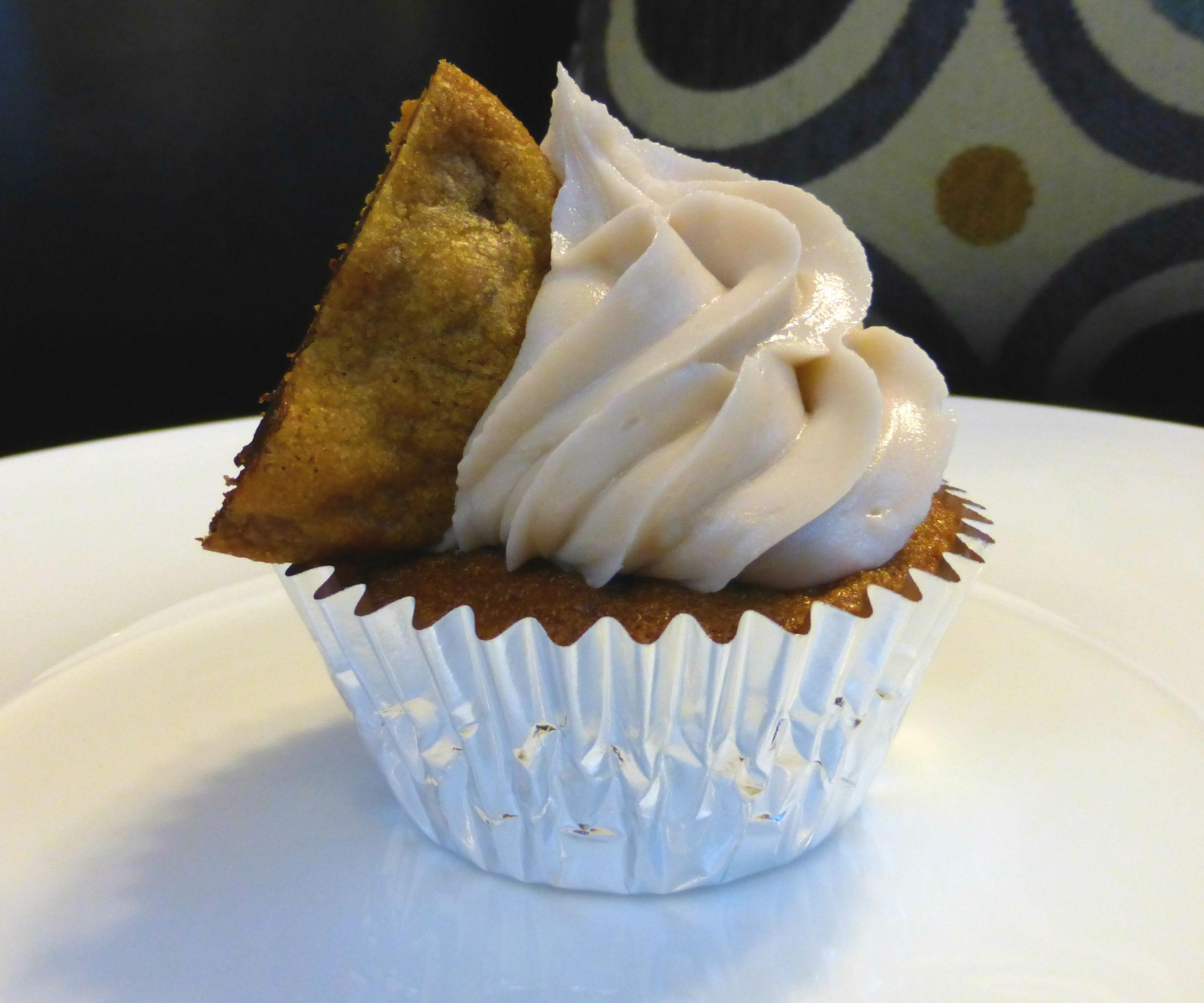 Chocolate Chip Cookie Walnut Cupcakes   Josh Pan