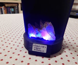 Fluorescent Mineral Stand