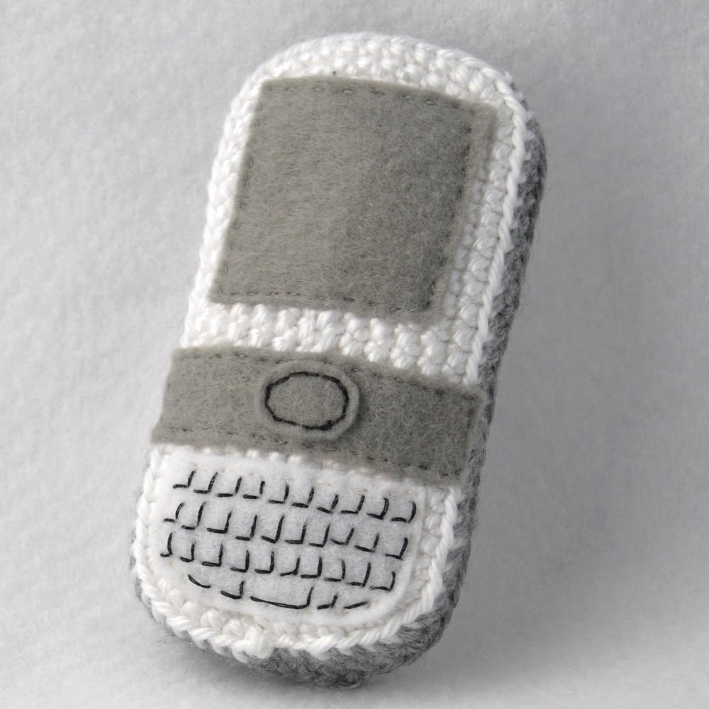 Crochet an Amigurumi Cell Phone Buddy