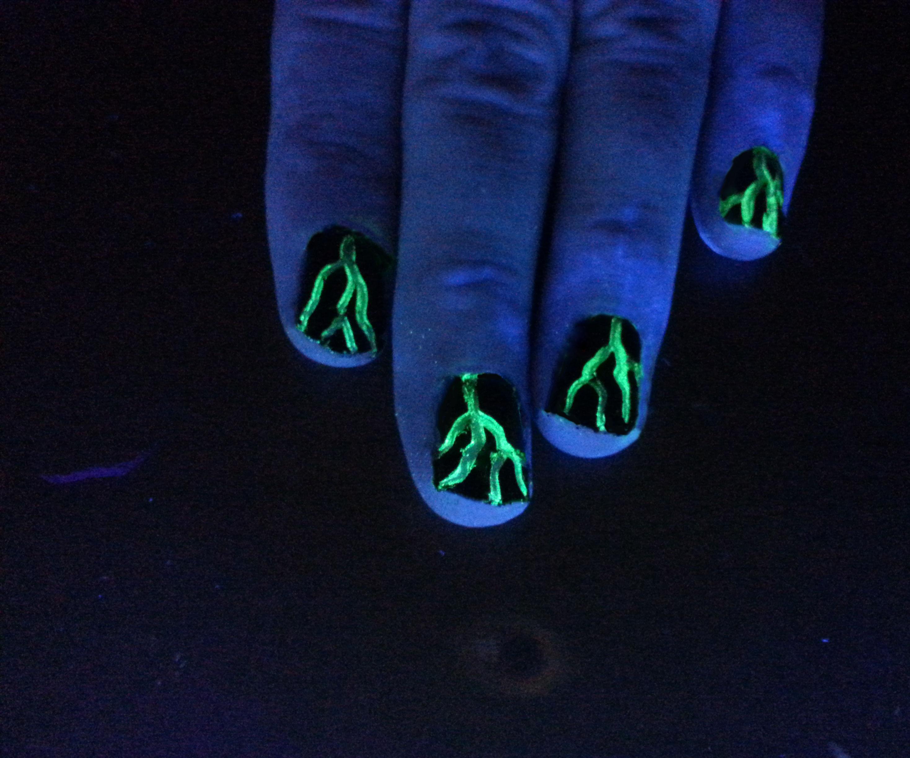 Lightning Fingernails
