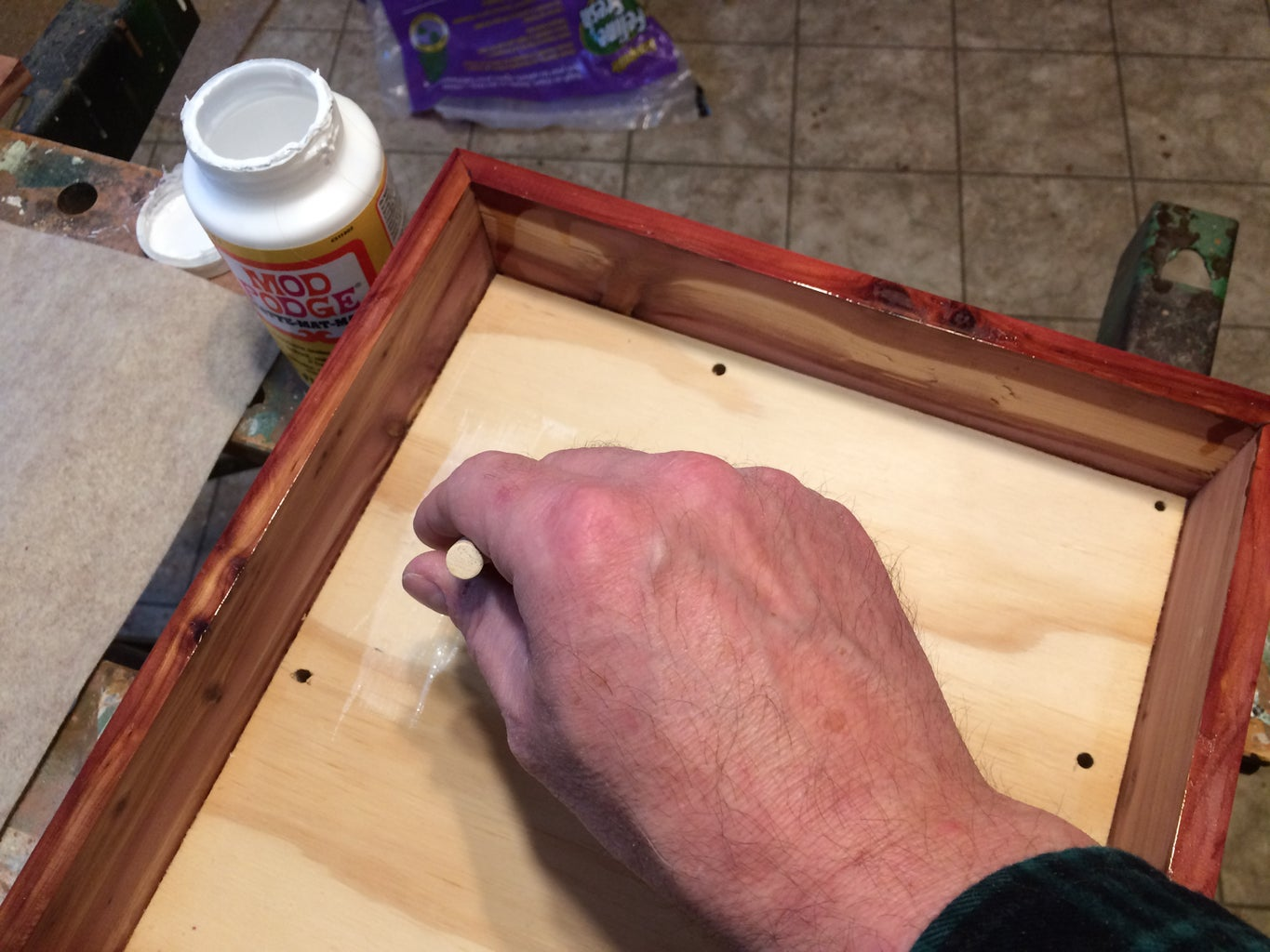 Attaching the Bottom Liner