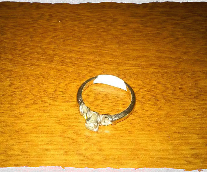 Sizing a Ring With Sugru