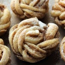DELICIOUS Swedish Cinnamon Knot Buns