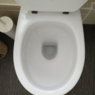 How to Unclog a Blocked Toilet Without a Plunger