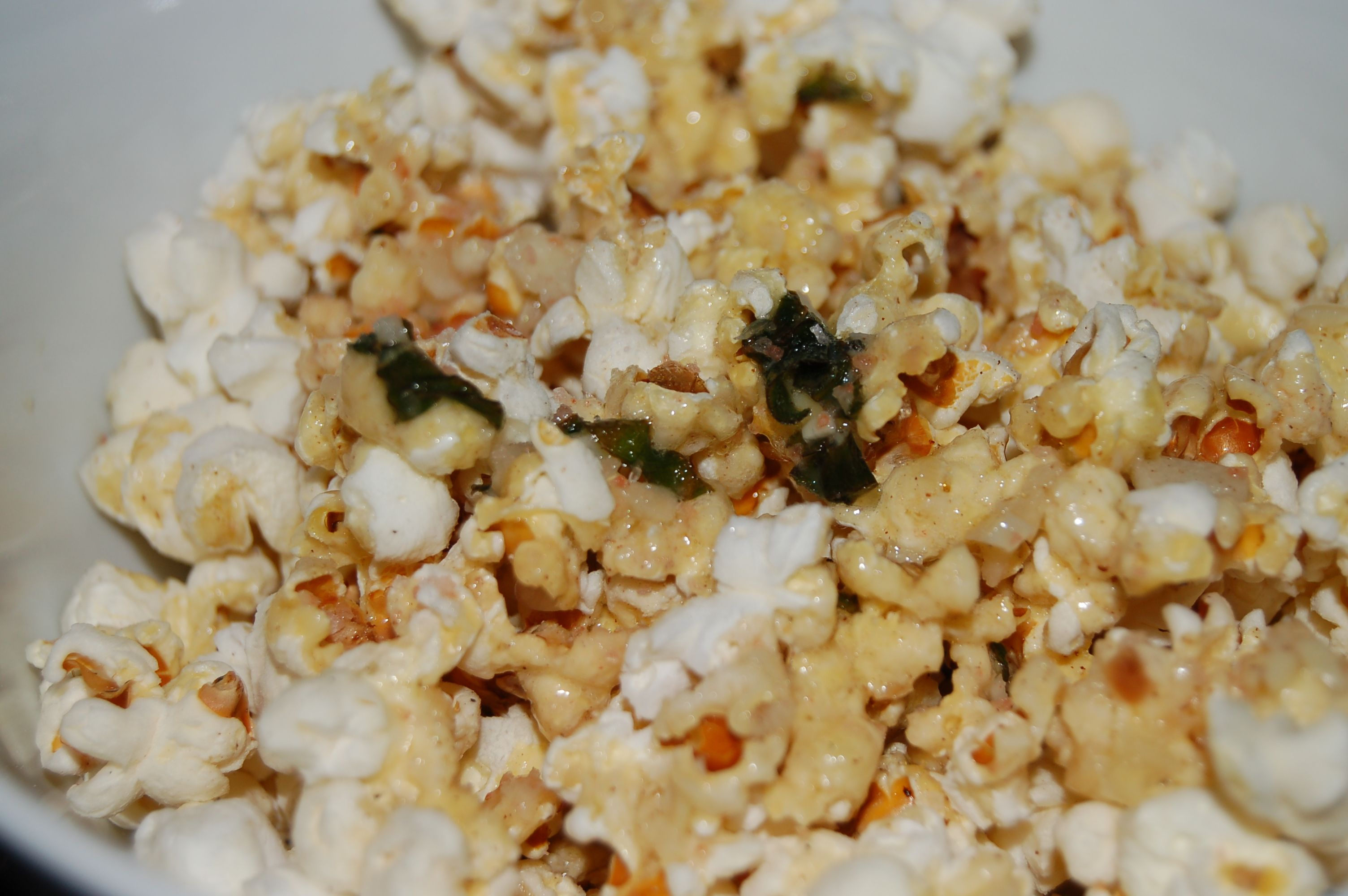 Popcorn with Herbed Garlic Butter & Lime dressing