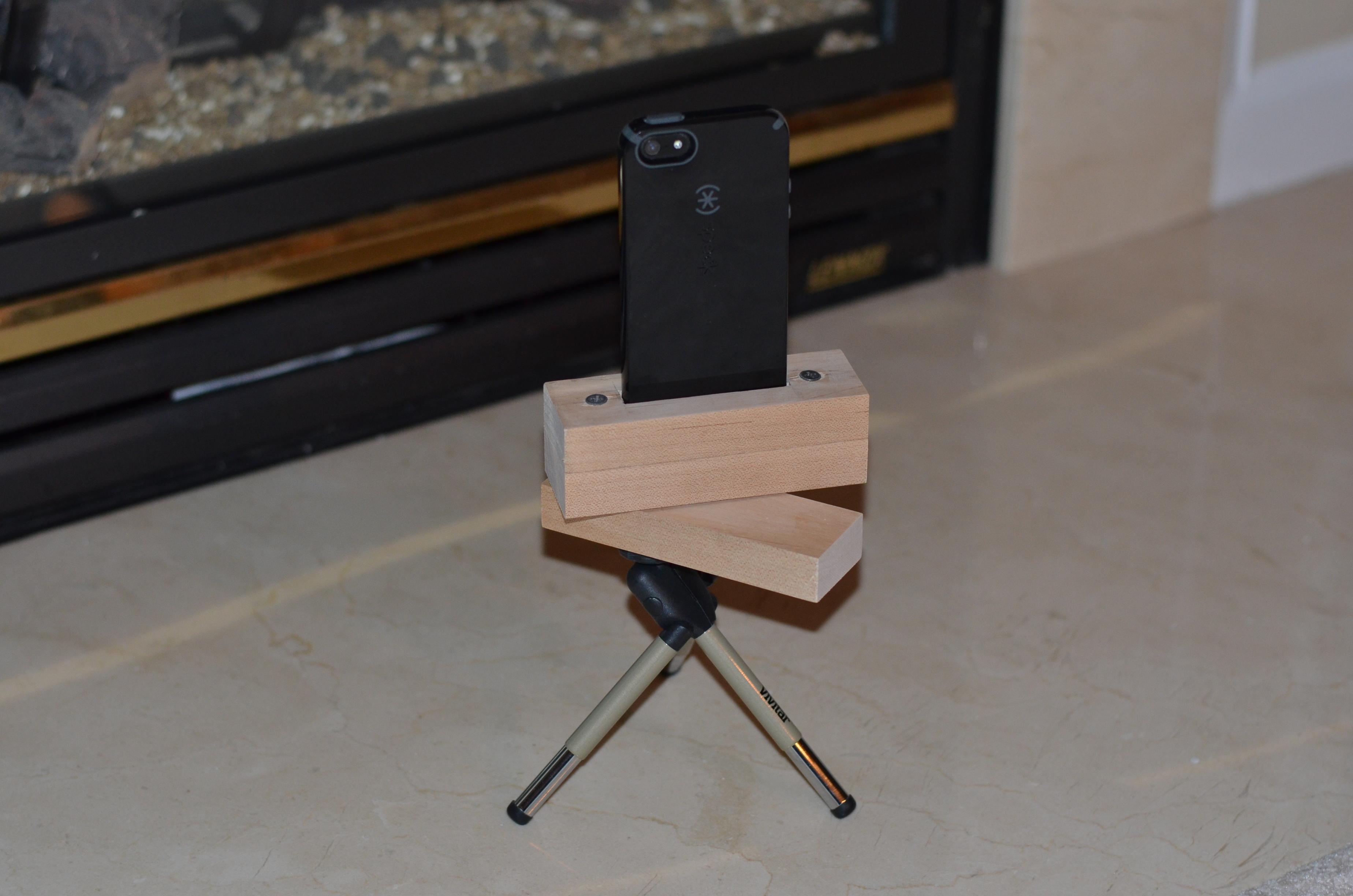 DIY iPhone 5 Panorama Tripod Mount