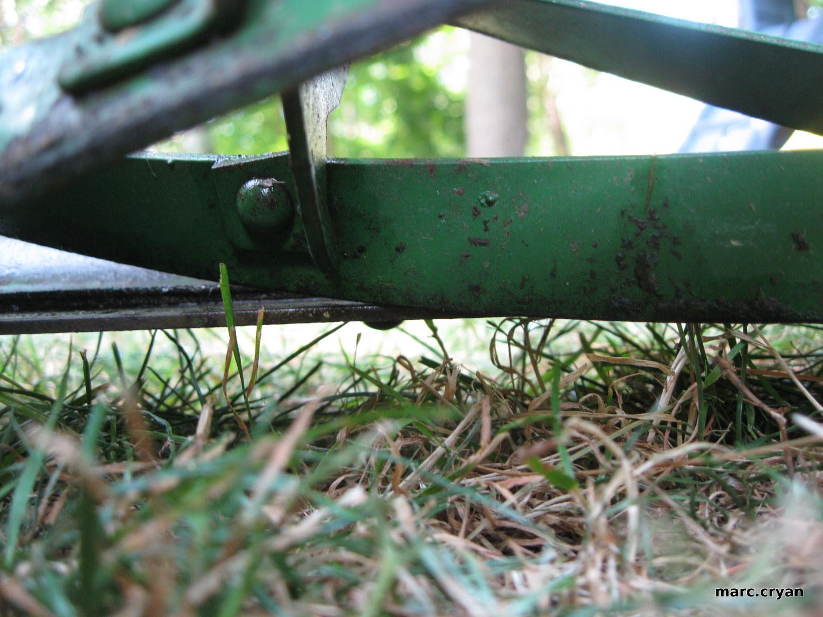 Sharpen a push reel mower
