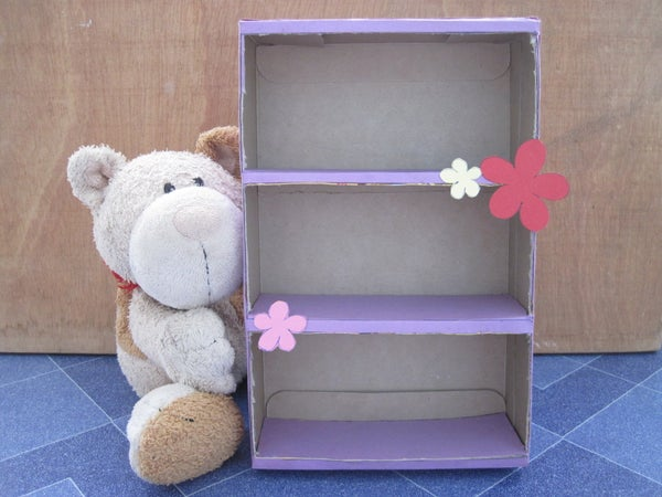 Easy Mini-shelf From Just a Box
