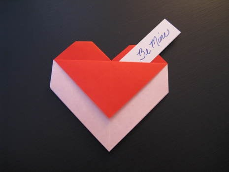How to Make an Origami Heart With a Message for Valentine's Day!