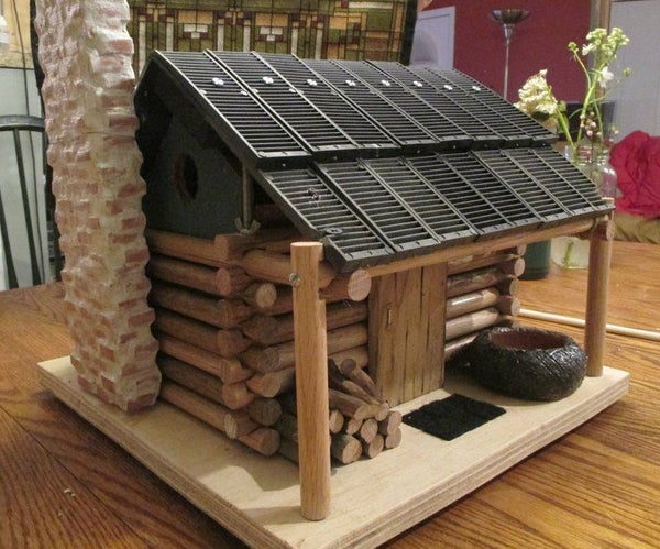 Log Cabin Birdhouse - to Scale!