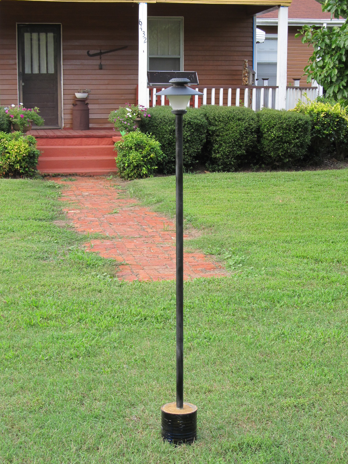 Simple Solar Lamp Post