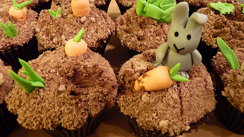Rascally Rabbits! (Cupcake Recipe and Decoration)