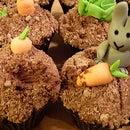 Rascally Rabbits! (Cupcake Recipe and Decoration)